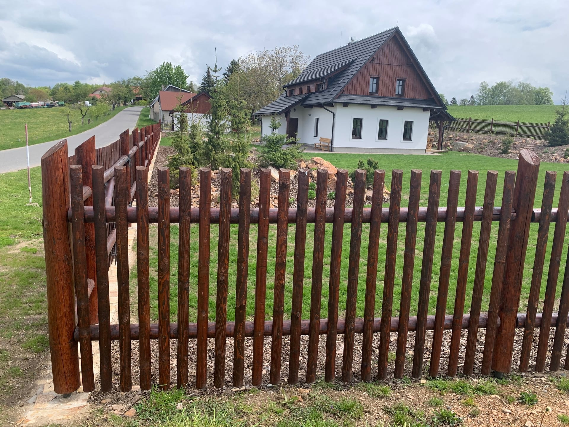 Obrázek 1 / Dřevěné ploty - strojně frézované   - realizace Proseč uSeče 10-2018