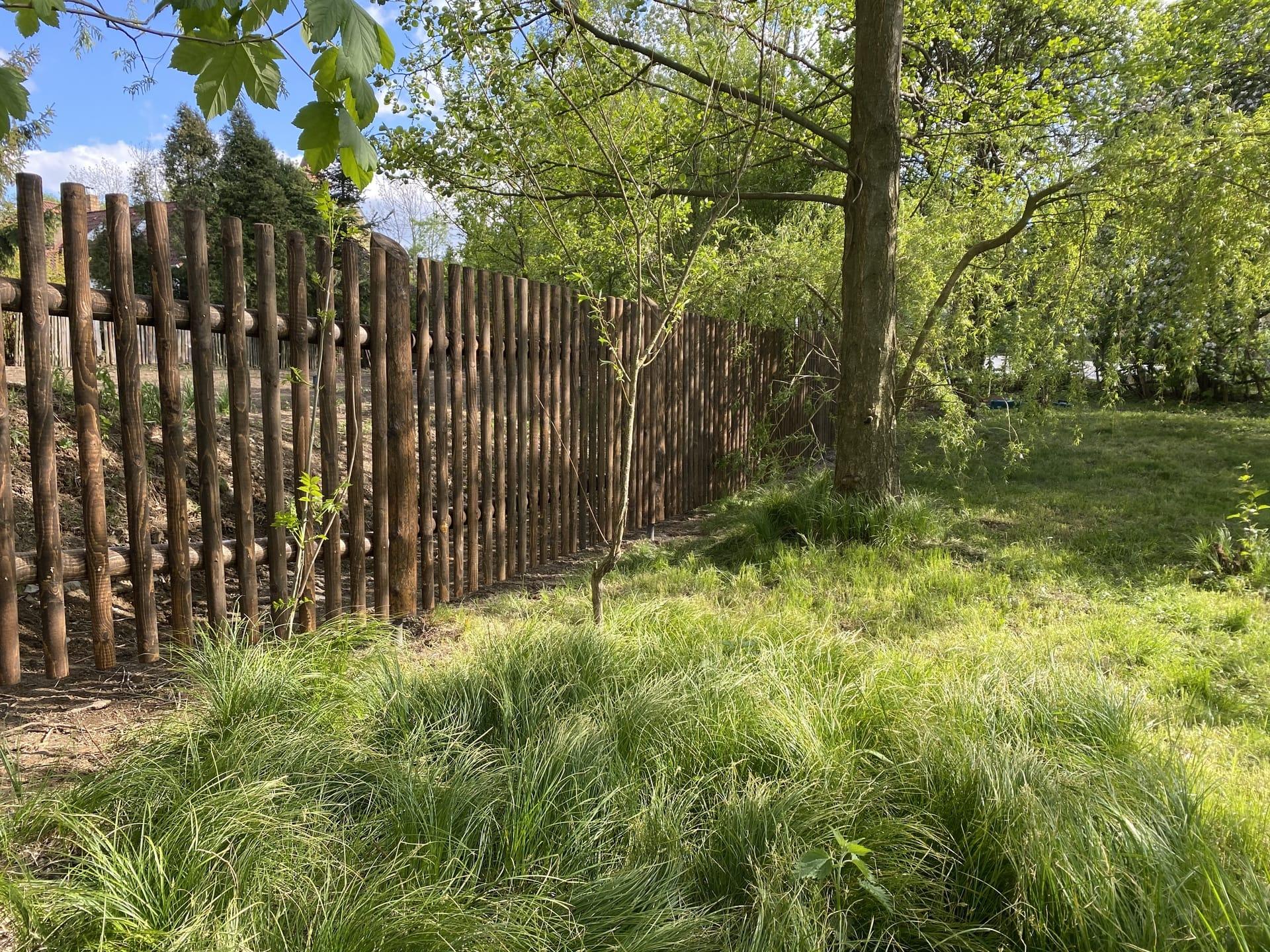 Obrázek 1 / Dřevěné ploty - strojně frézované   - realizace Kořenec 4-2020