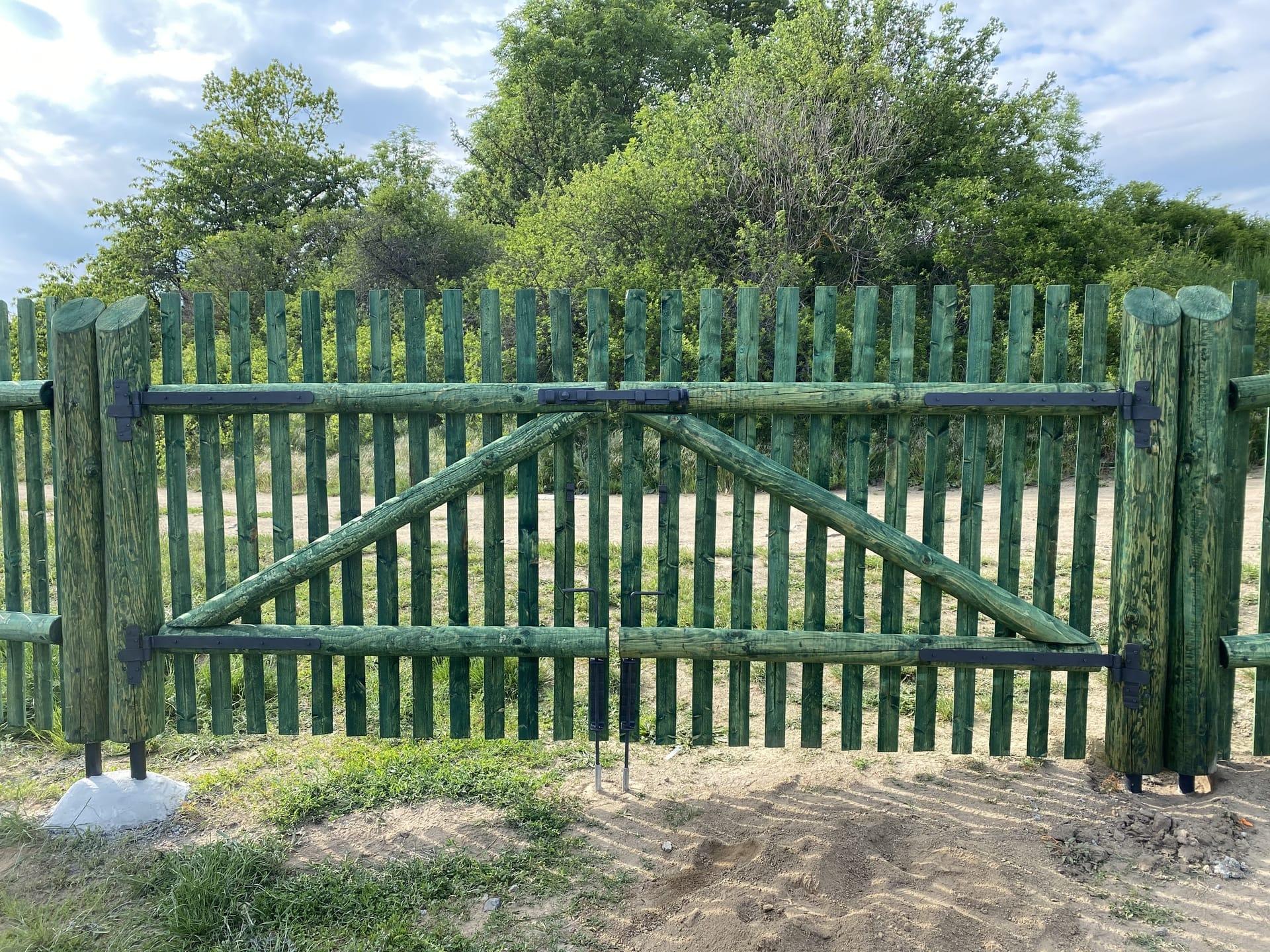 Obrázek 1 / Dřevěné ploty - strojně frézované   - realizace Králova Lhota 05-2020