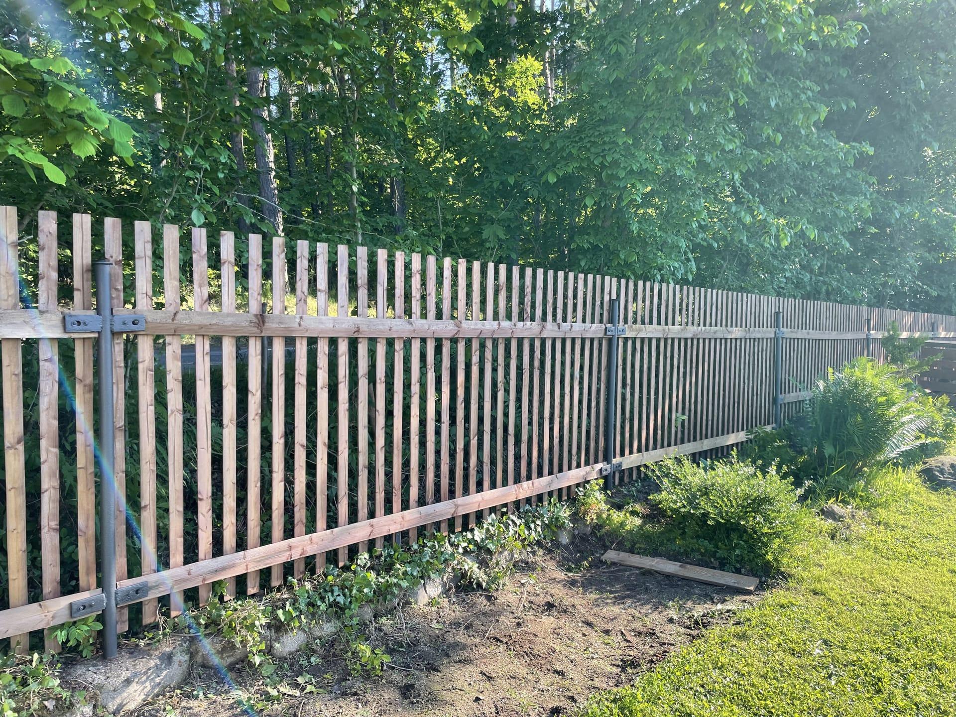 Obrázek 1 / Dřevěné ploty - strojně frézované   - realizace Zahrádka uPetrovic 6-2021