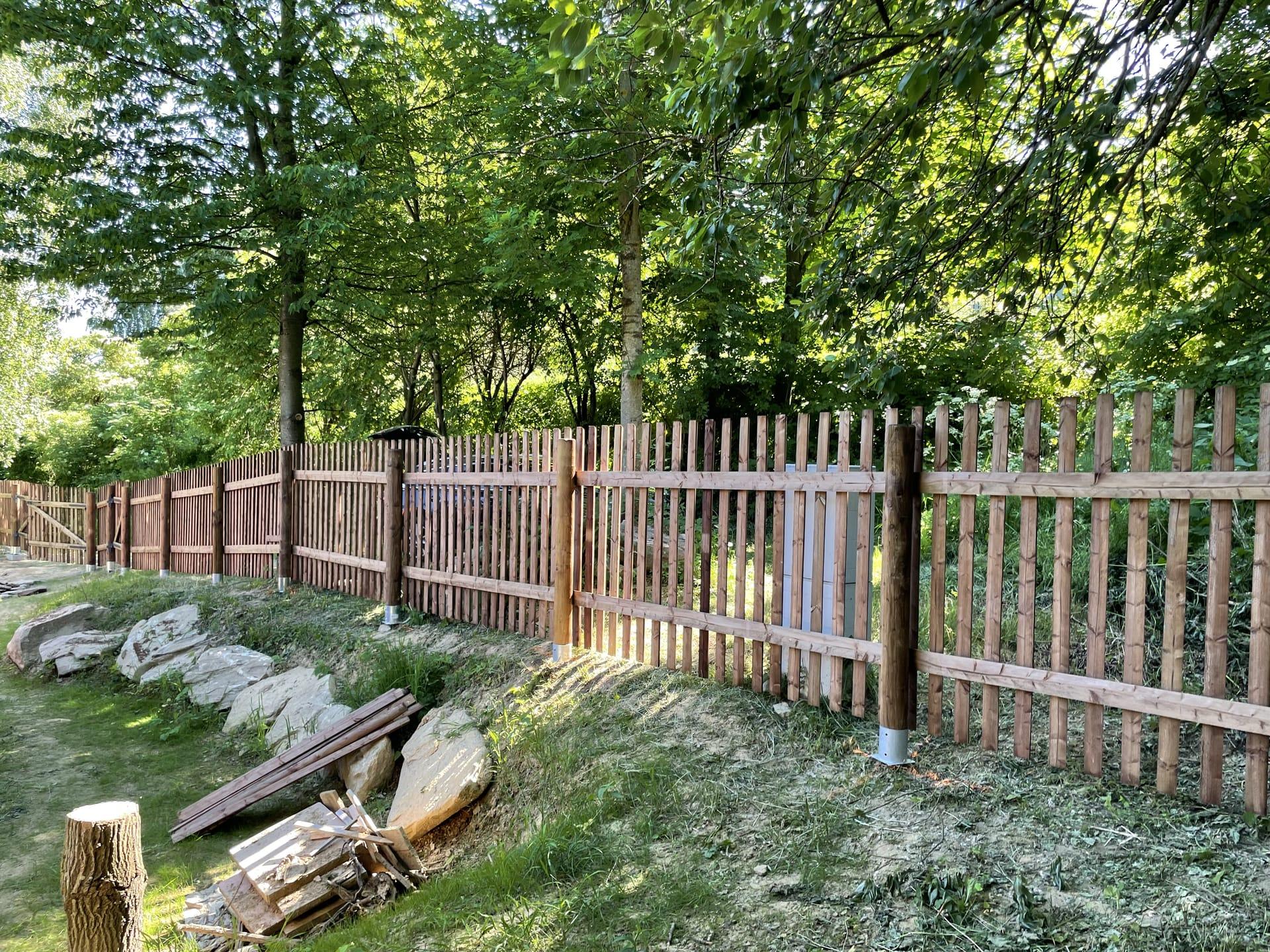 Obrázek 2 / Dřevěné ploty - strojně frézované   - realizace Bukovice 6-2021