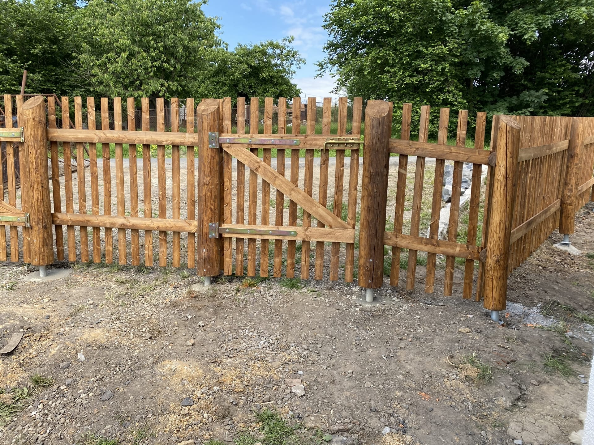 Obrázek 2 / Dřevěné ploty - strojně frézované   - realizace Stonava 6-2020