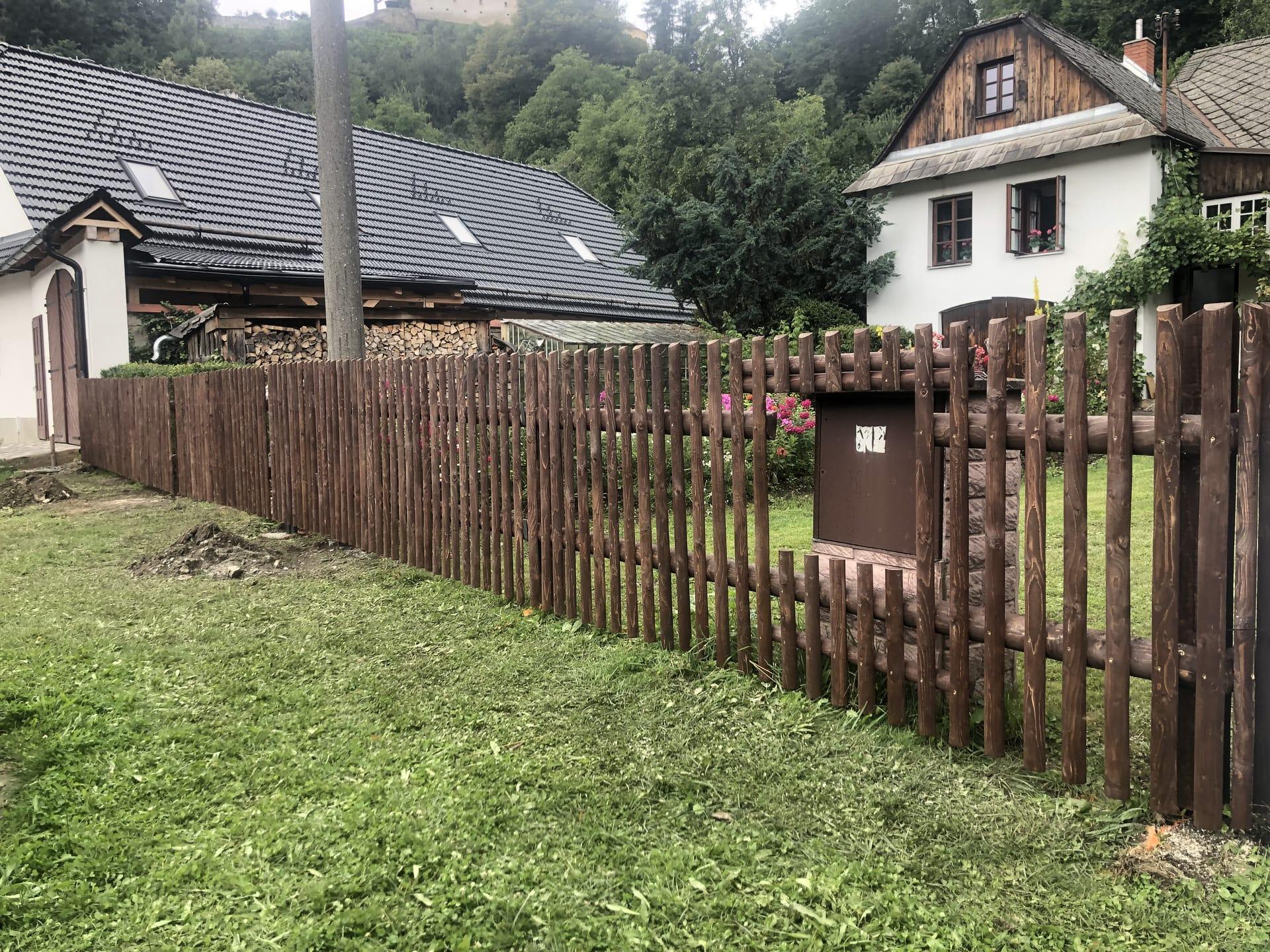 Obrázek 1 / Dřevěné ploty - strojně frézované   - realizace Svojanov 8-2021