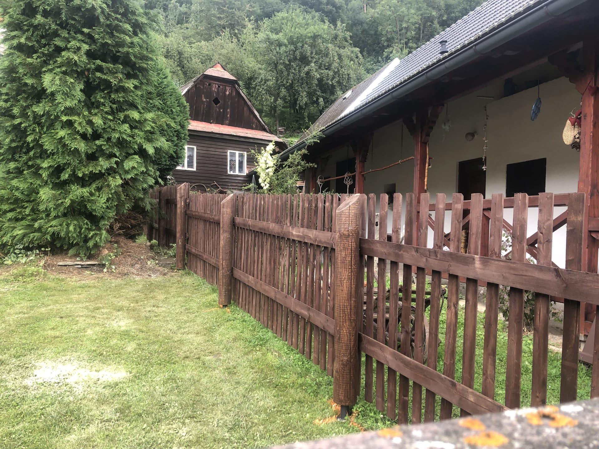 Obrázek 2 / Dřevěné ploty - strojně frézované   - realizace Svojanov 8-2021