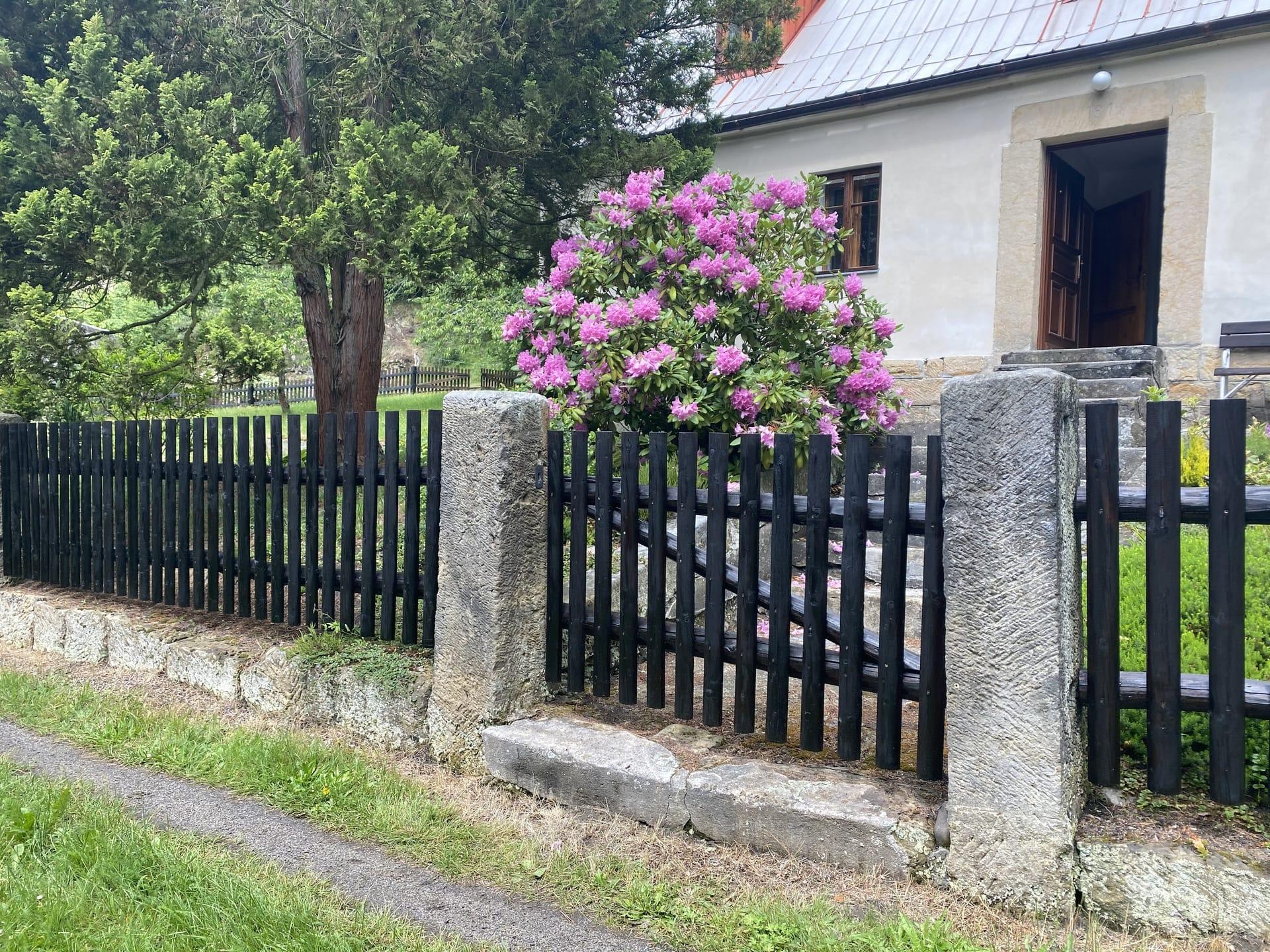 Obrázek 3 / Dřevěné ploty - strojně frézované   - realizace Jetřichovice 6-2020