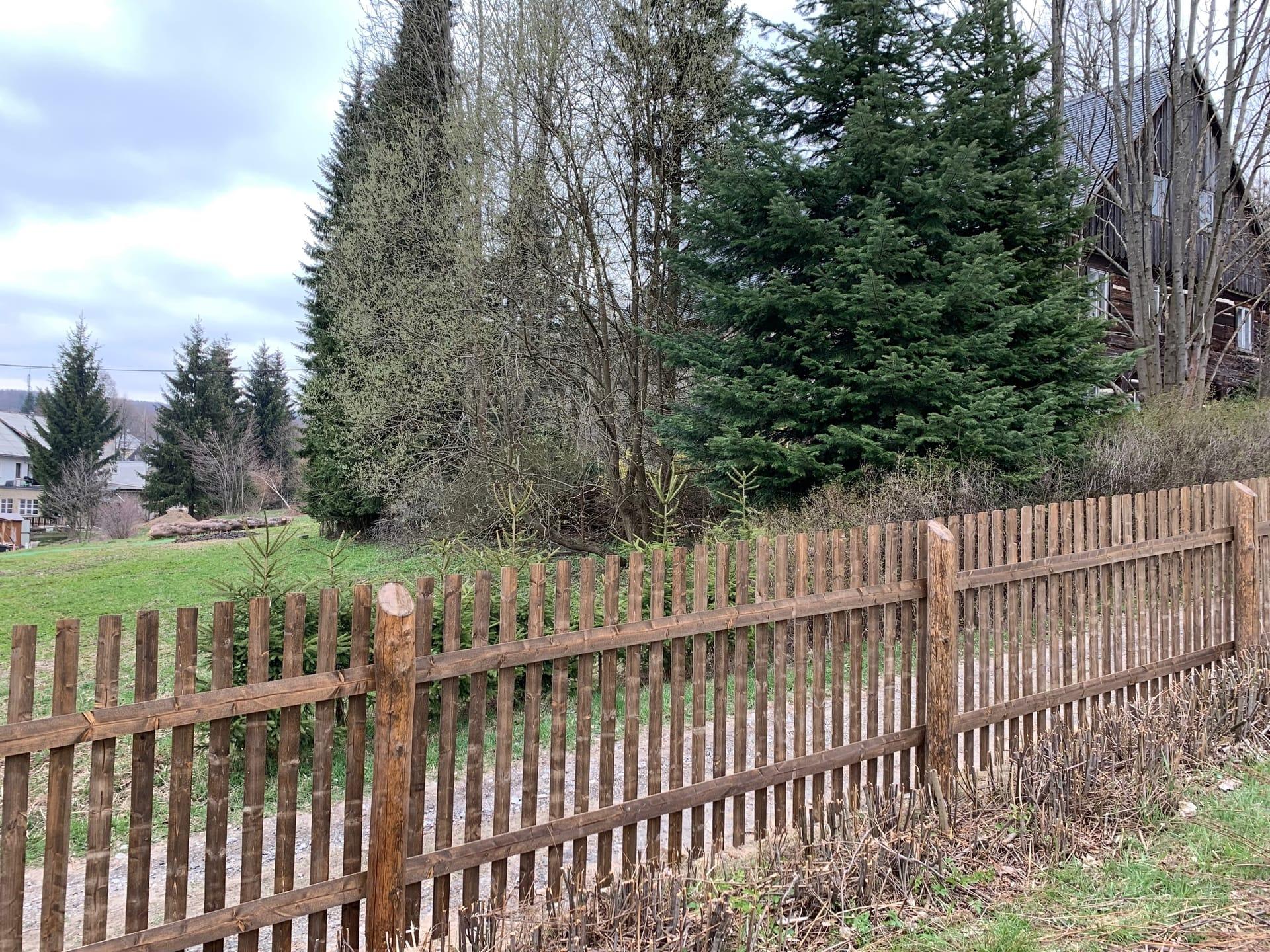 Obrázek 2 / Dřevěné ploty - strojně frézované   - realizace Dolní Světlá 4-2019