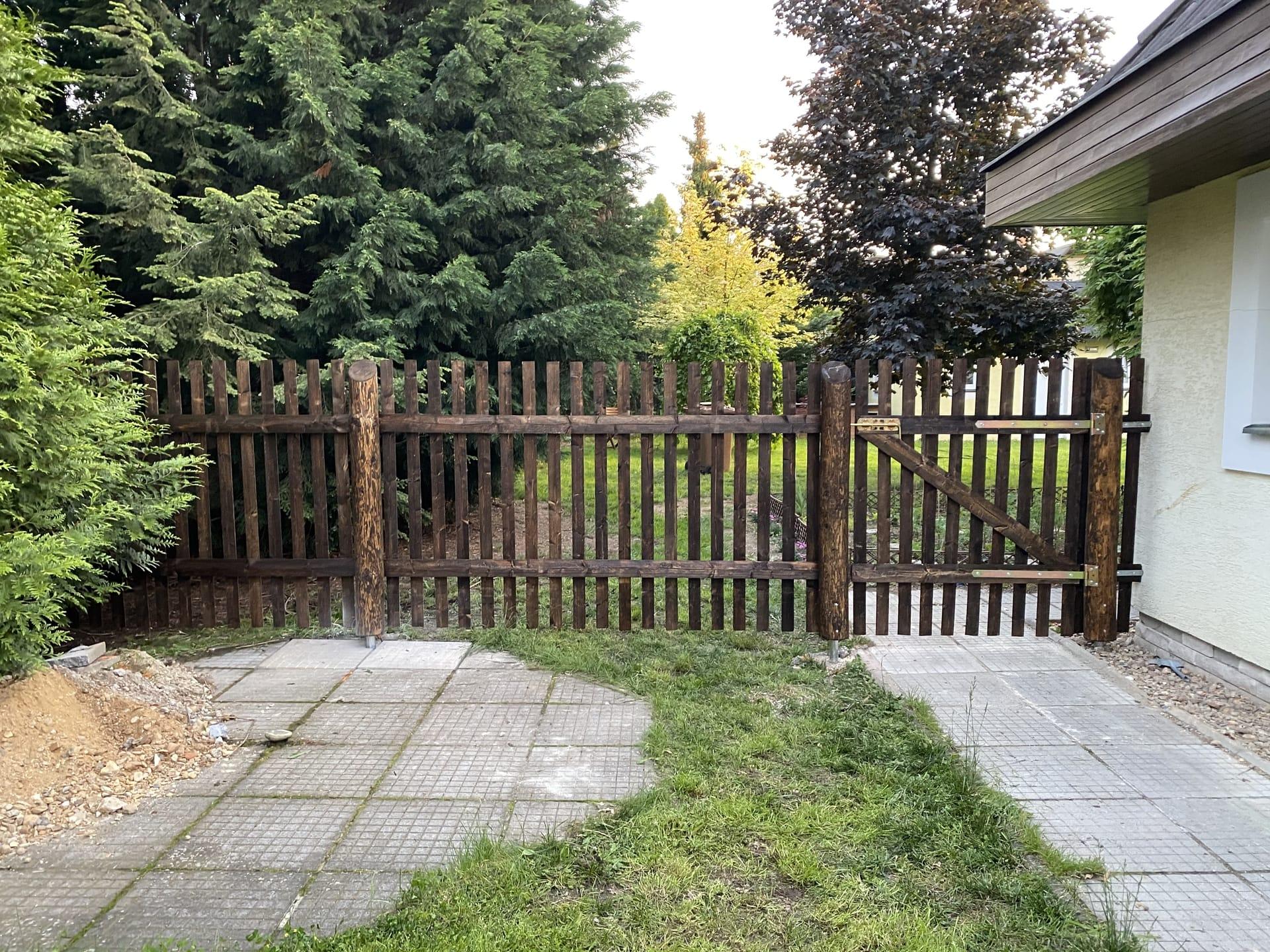Obrázek 2 / Dřevěné ploty - strojně frézované   - realizace Kladno 6-2020