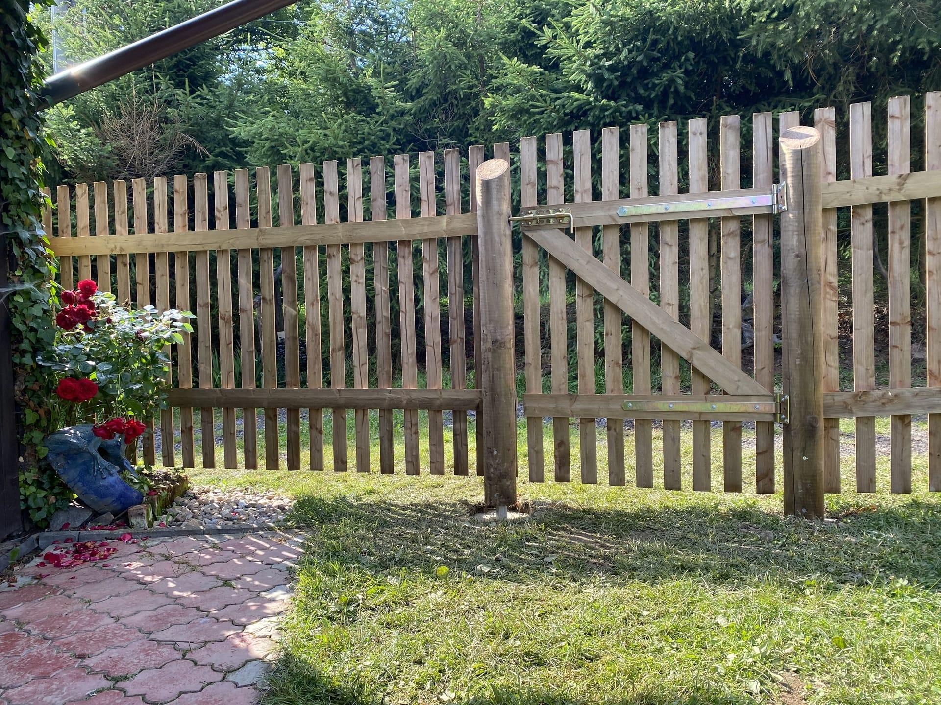Obrázek 3 / Dřevěné ploty - strojně frézované   - realizace Vilánec 7-2020