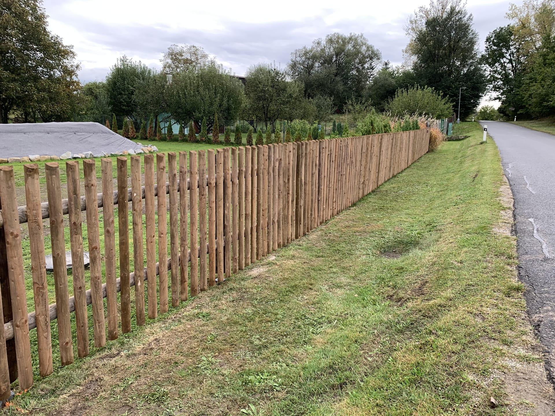 Obrázek 2 / Dřevěné ploty - strojně frézované   - realizace Přeseka uTřeboně 10-2020