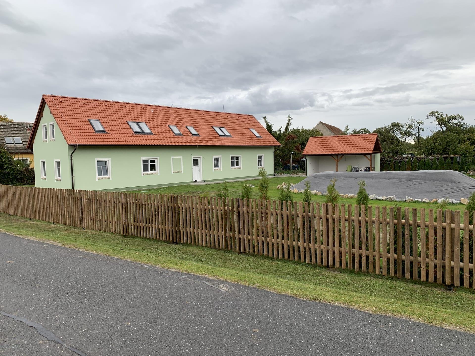 Obrázek 3 / Dřevěné ploty - strojně frézované   - realizace Přeseka uTřeboně 10-2020