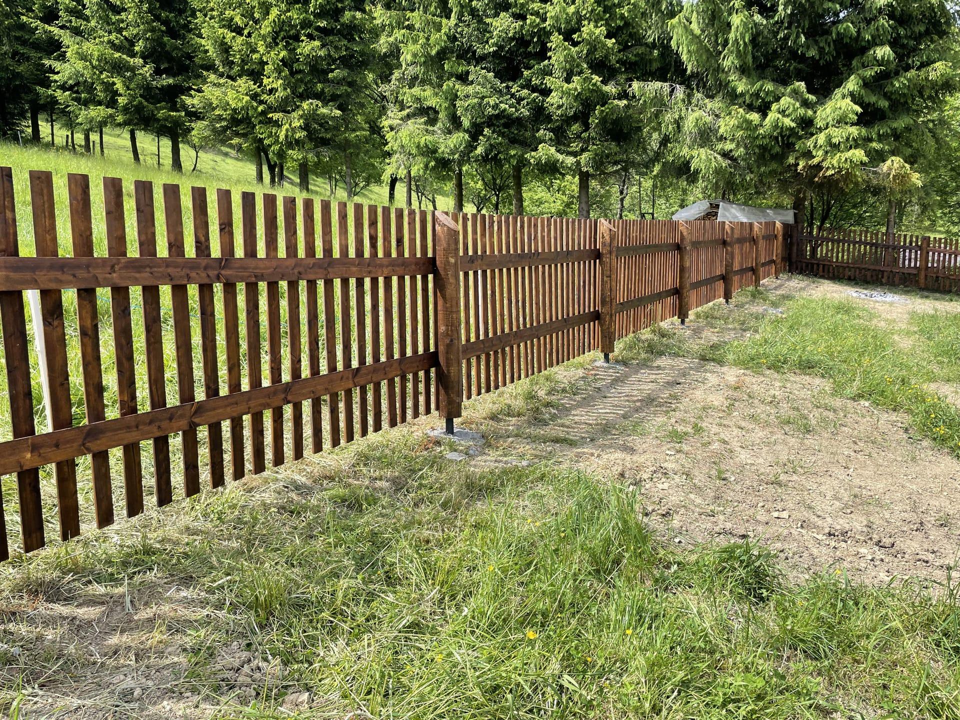 Obrázek 1 / Dřevěné ploty - strojně frézované   - realizace Velké Karlovice
