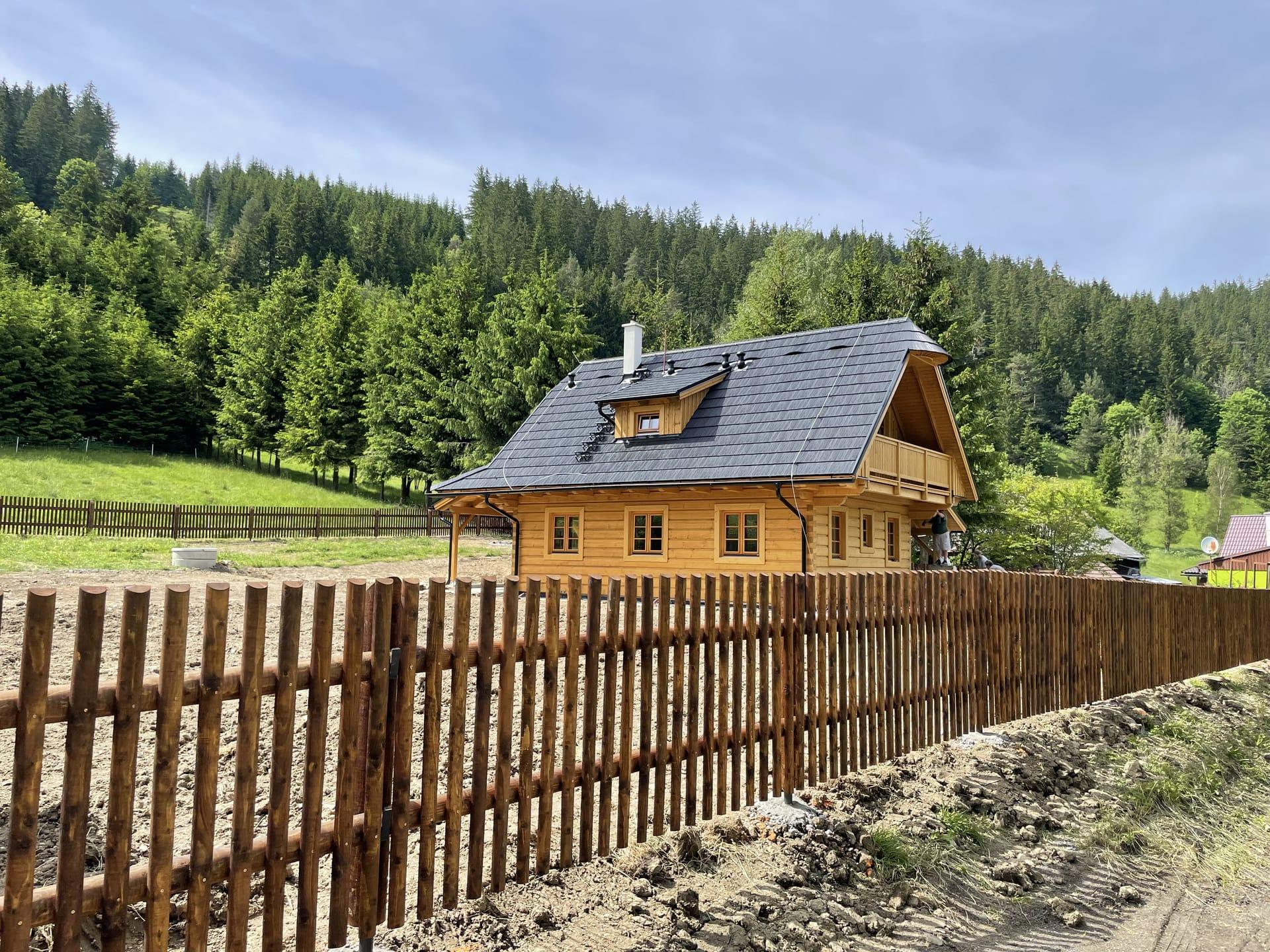 Obrázek 3 / Dřevěné ploty - strojně frézované   - realizace Velké Karlovice