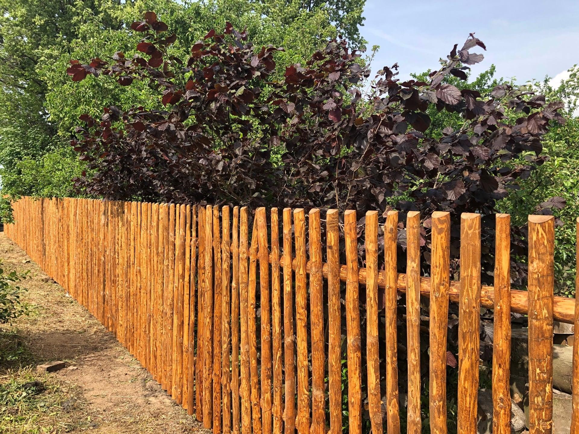 Obrázek 1 / Dřevěné ploty - strojně loupané   - realizace Radiměř 6-2019