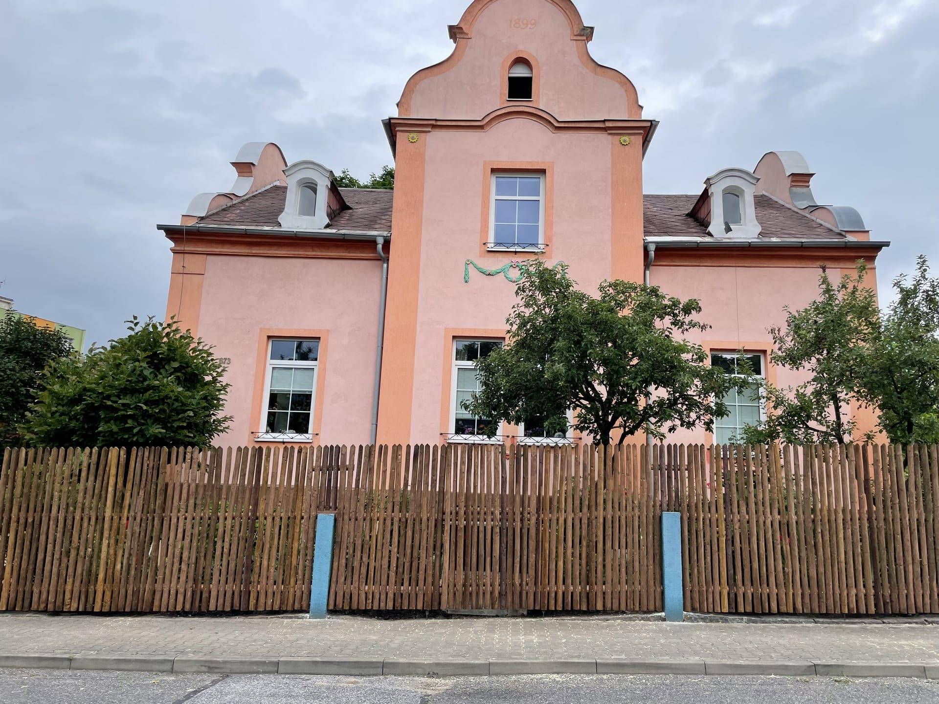 Obrázek 3 / Dřevěné ploty - strojně loupané   - realizace Liberec 7-2021