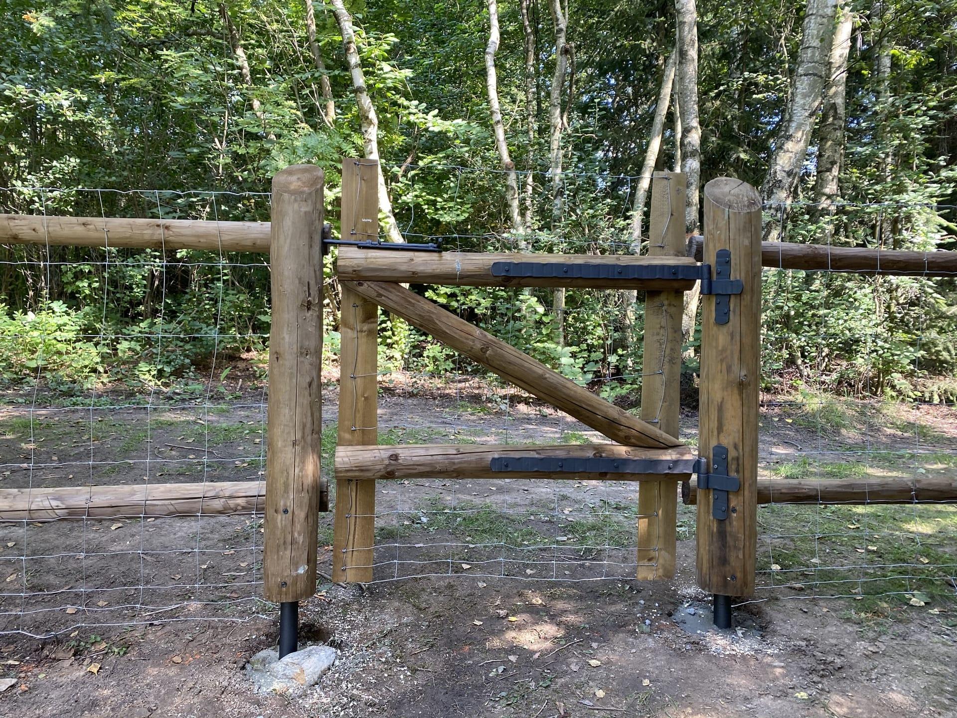 Obrázek 2 / Dřevěné ploty - strojně loupané   - realizace Kuklík 8-2020