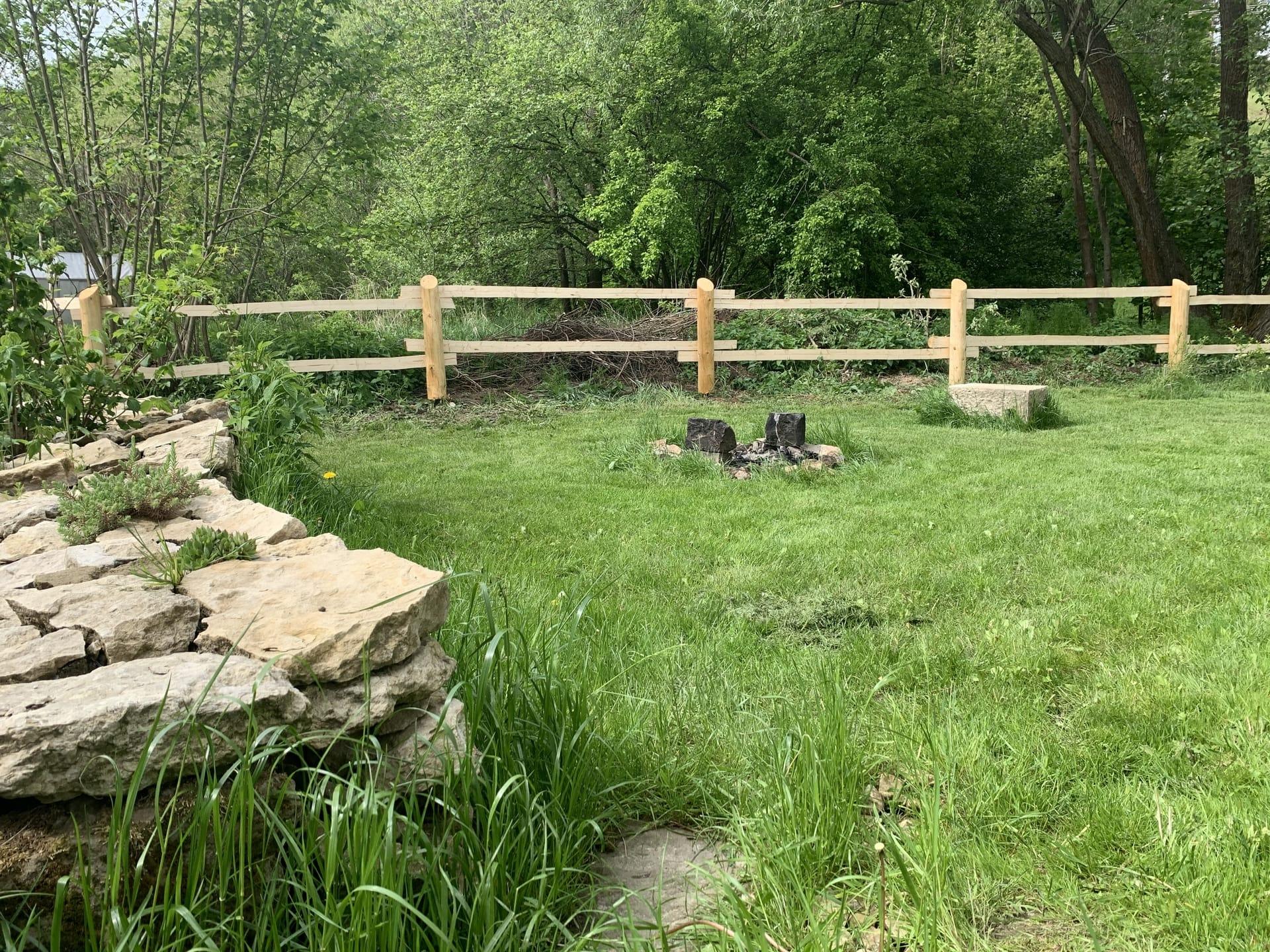 Obrázek 2 / Dřevěné ploty - ručně opracovaný   - realizace Bělá nad Svitavou 5-2020