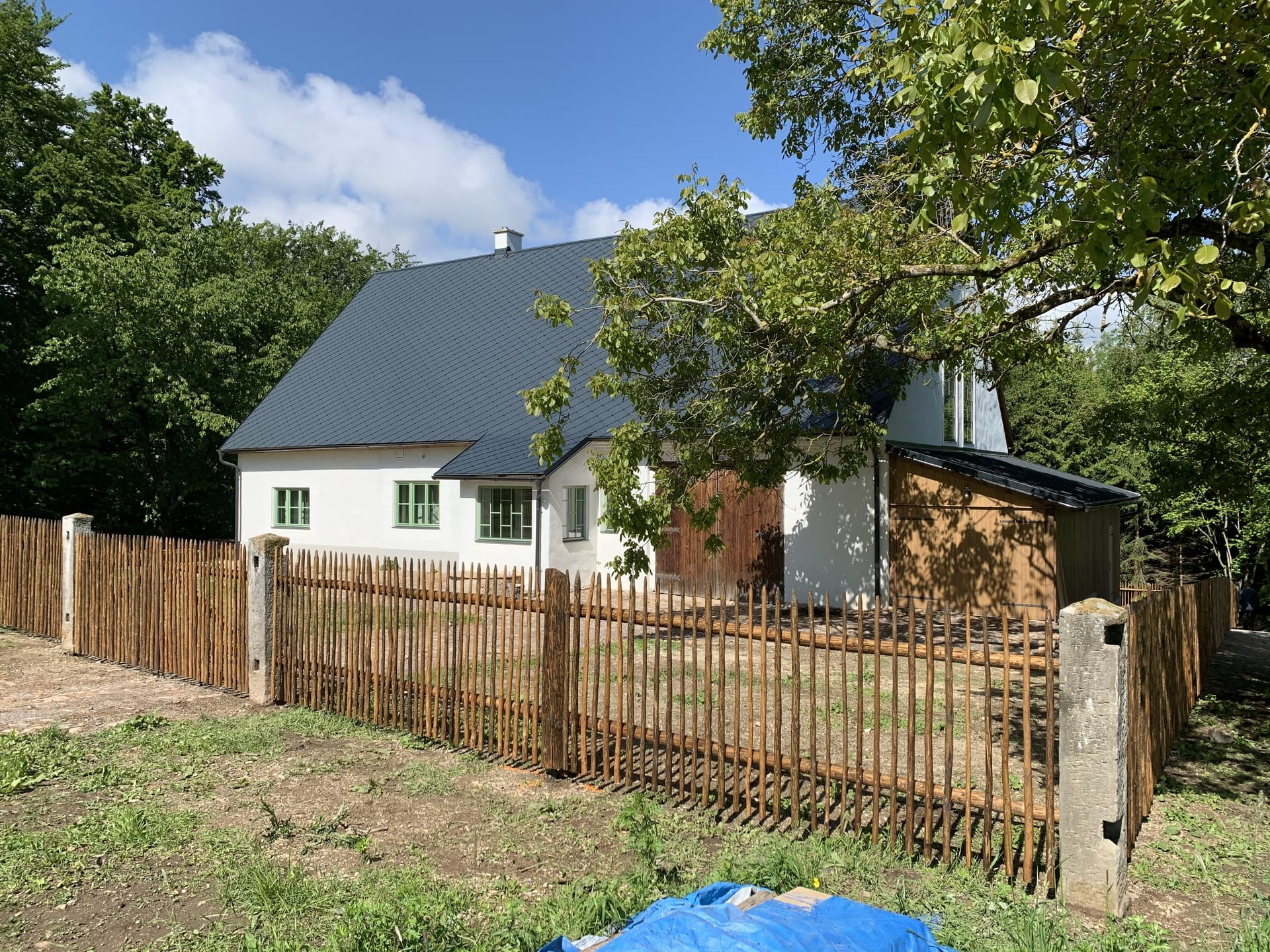 Obrázek 1 / Dřevěné ploty - ručně opracovaný   - realizace Budislav 6-2020