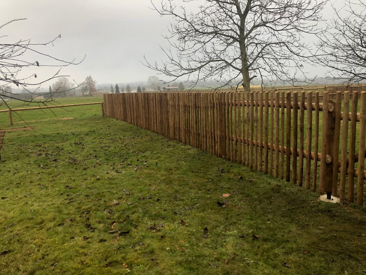 Obrázek 1 / Dřevěné ploty - ručně opracovaný   - realizace Bezděkov nad Metují 11-2020