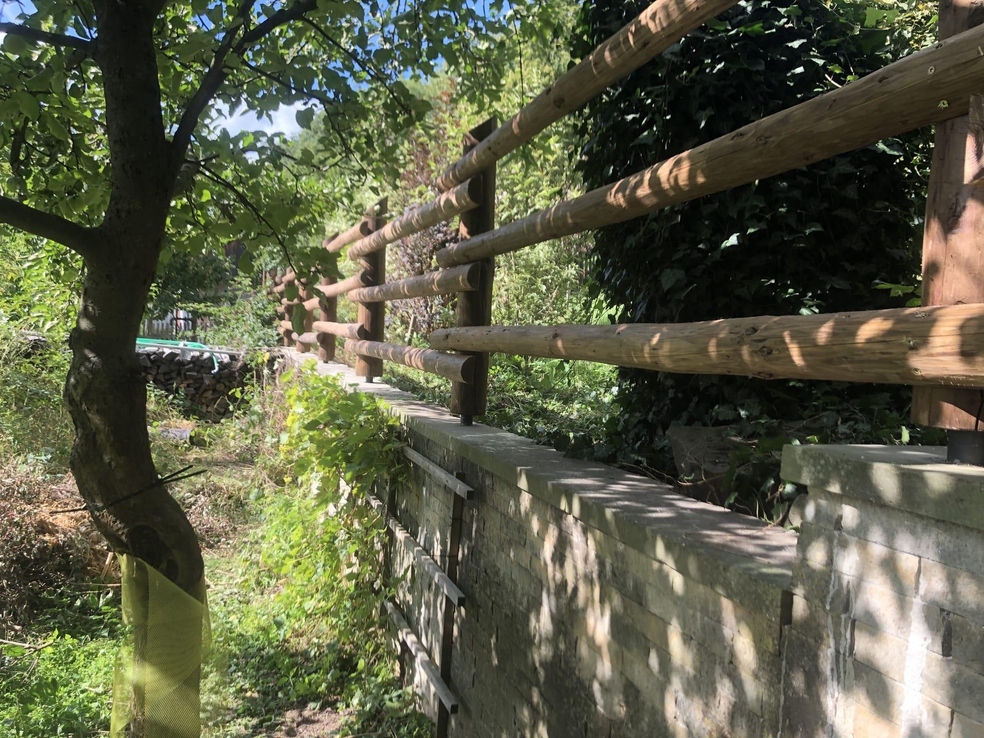 Obrázek 1 / Dřevěné ploty - ručně opracovaný   - realizace Konice 9-2020