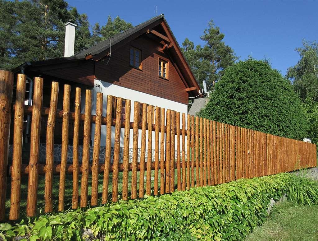 Ručně  opracované - ukázka plotu